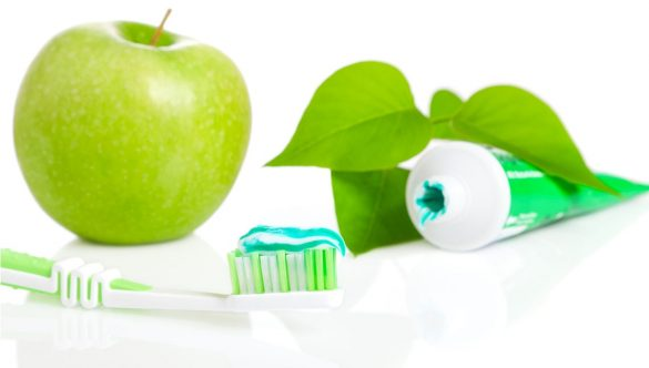 Zube perite nježno.